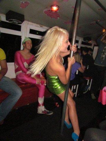 piggys-partybus-1